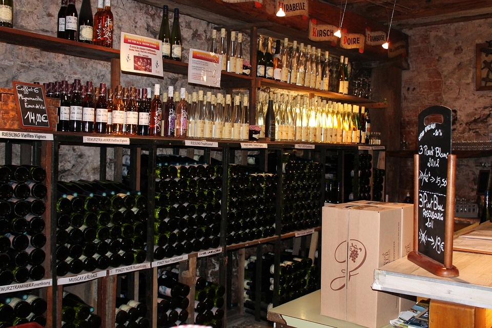 Keep Your Custom Wine Cellar Organized Using These Awesome